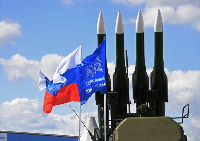 Rakety kompletu Buk-2ME na aerosalonu MAKS od společnosti Almaz-Antej