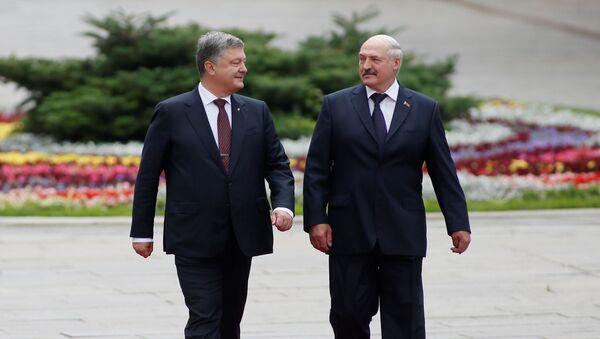 Petro Porošenko a Alexandr Lukašenko - Sputnik Česká republika