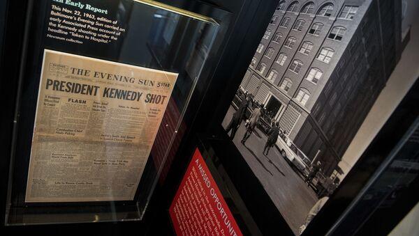 Noviny informující o smrti Johna Kennedyho - Sputnik Česká republika