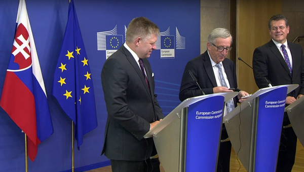 """""""To je moje žena. Tak ne, Merkelová"""": kancléřka zavolala Junckerovi v nevhodný moment - Sputnik Česká republika"""