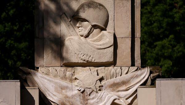 Pomník sovětským vojákům ve Varšavě - Sputnik Česká republika