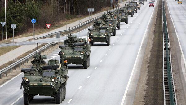Americké obrněné transportéry Stryker. Ilustrační foto - Sputnik Česká republika