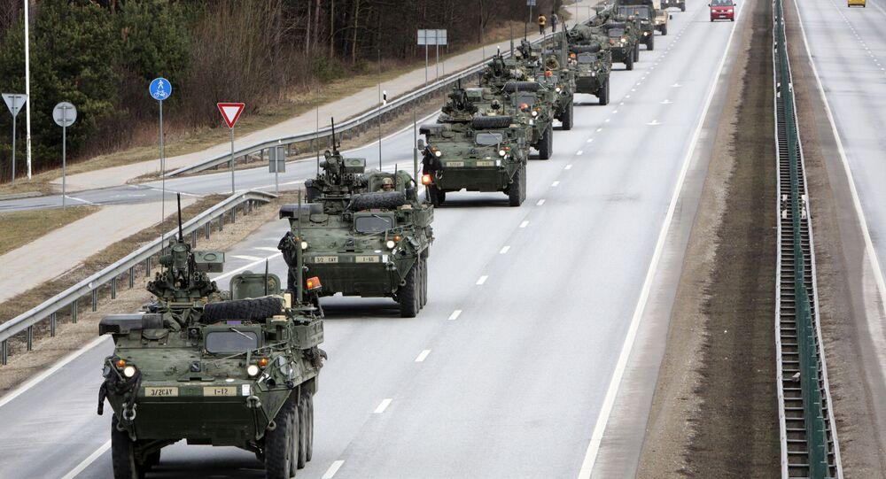 Americké obrněné transportéry Stryker. Ilustrační foto