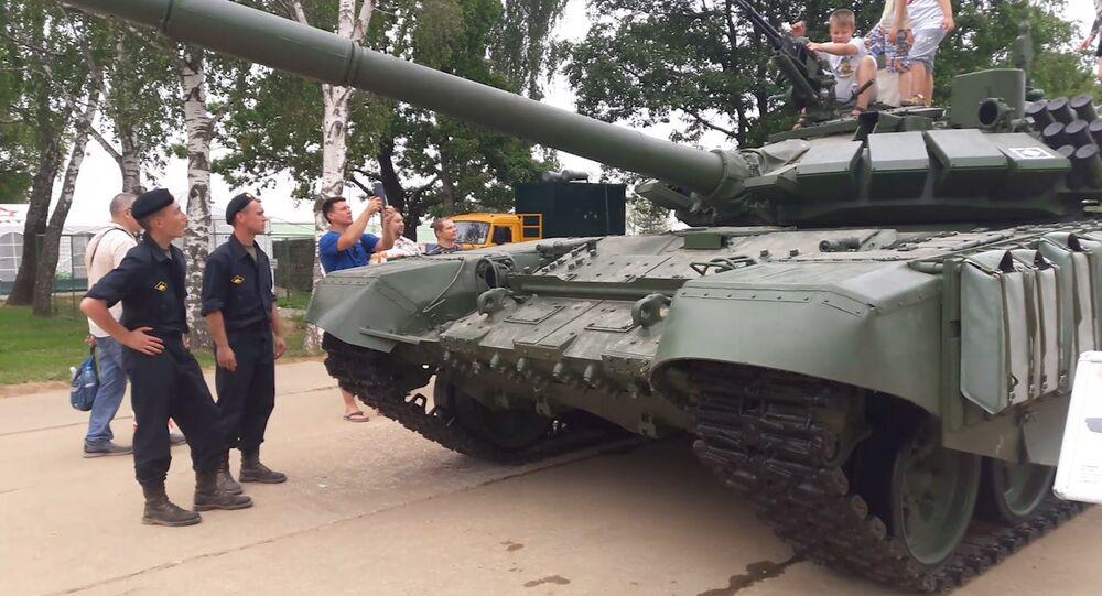 Tank T-72B3: podívejte se, v čem soutěží v tankovém biatlonu