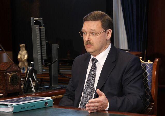Předseda mezinárodního výboru Rady federace RF Konstantin Kosačev