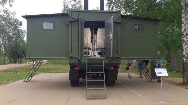 Polní kuchyně uvnitř nákladního auta KAMAZ na ARMI2017 - Sputnik Česká republika