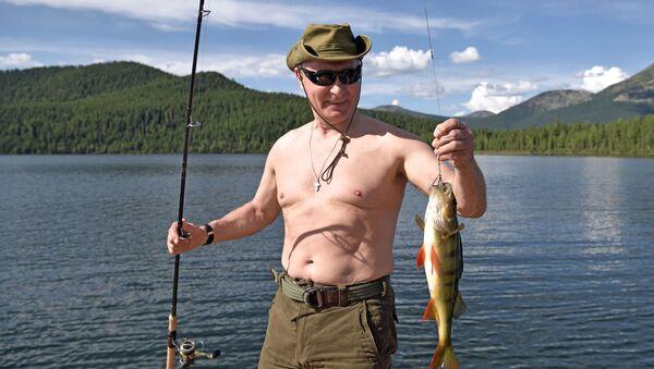 Ruský prezident Vladimir Putin  během své krátké dovolené - Sputnik Česká republika