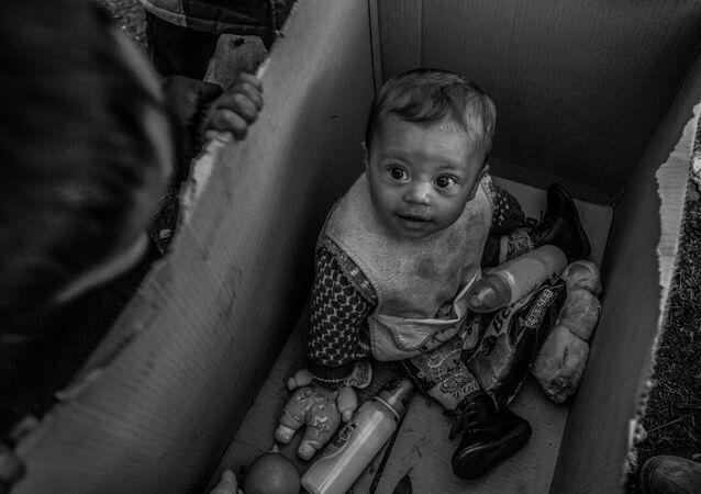 Snímek řecké fotografky Anny Panteliové Evropský sen byl vyznamenán třetí cenou v nominaci Hlavní zprávy. Jednotlivá fotografie, a rovněž zvláštní cenou Mezinárodního výboru Červeného kříže Za humanitární fotografii