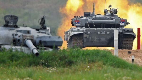 Tank srbského týmu na tankovém biatlonu. Alabino, Moskevská oblast, Rusko - Sputnik Česká republika
