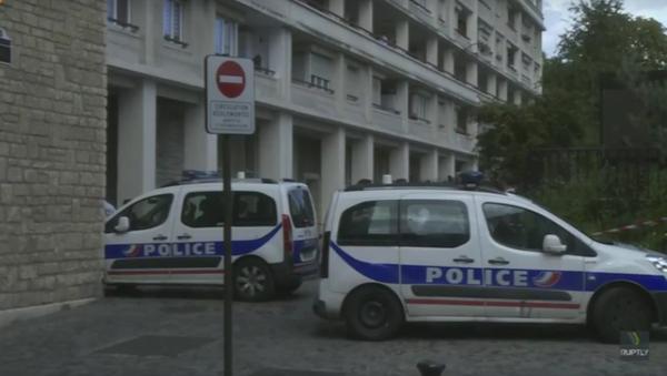Zábery z Paříže, kde najel automobil do skupiny vojáků - Sputnik Česká republika