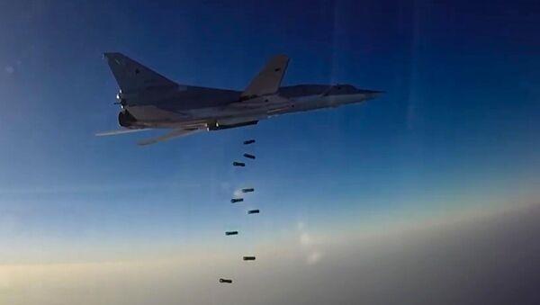 Letecký útok Tu-22M3 na objekty teroristů v Sýrii - Sputnik Česká republika