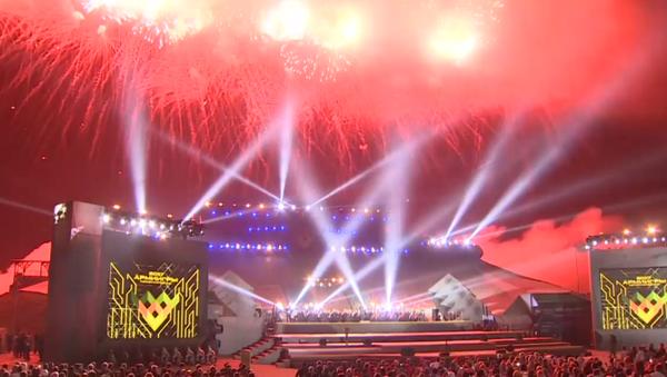 Světelná show a salva na slavnostním ukončení Armádních her 2017 - Sputnik Česká republika