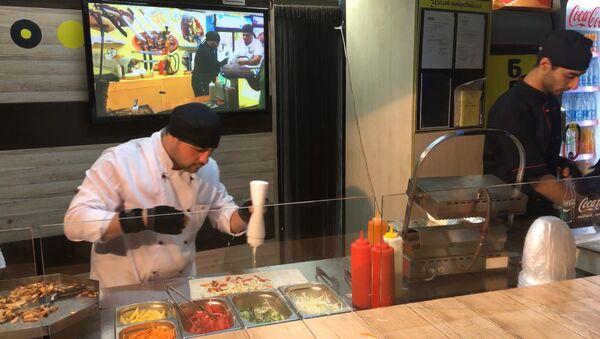 Rychlý kebab: co znamená skutečný fast food. Video - Sputnik Česká republika