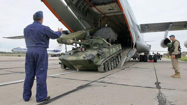 Rusko-běloruská cvičení Západ - Sputnik Česká republika
