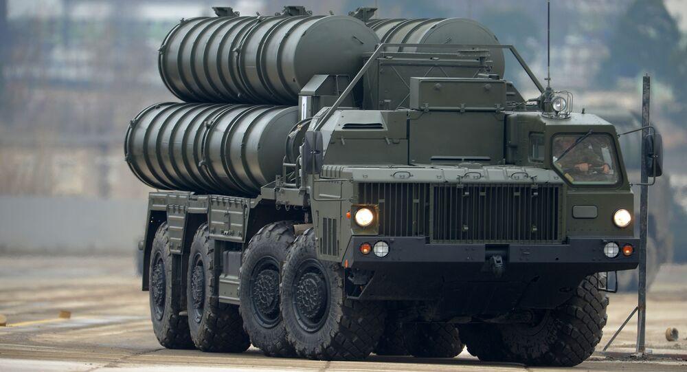 Protiletadlový raketový komplet S-400