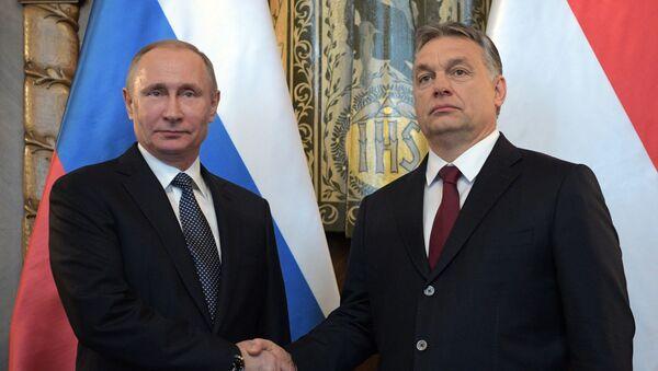 Ruský prezident Vladimir Putin a maďarský premiér Viktor Orbán - Sputnik Česká republika