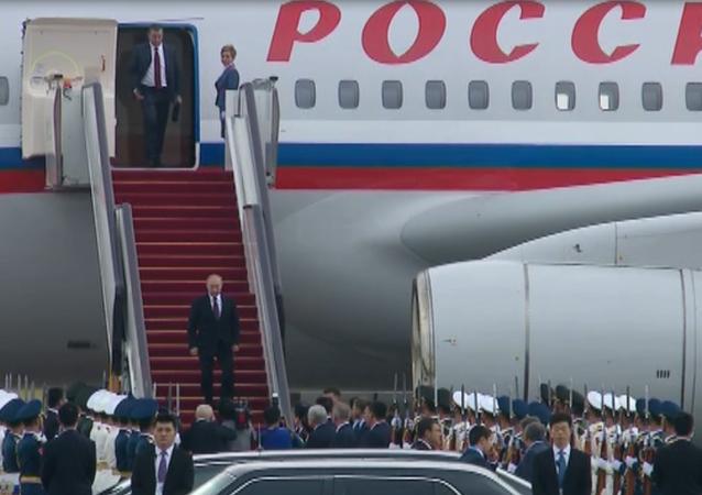 Příjezd Putina do Číny na summit BRICS