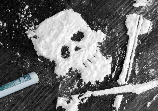 Kokain ve tvaru lebky