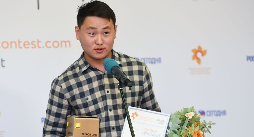 Fotonovinář Sputnik.Kyrgyzstán Tabyldy Kadyrbekov