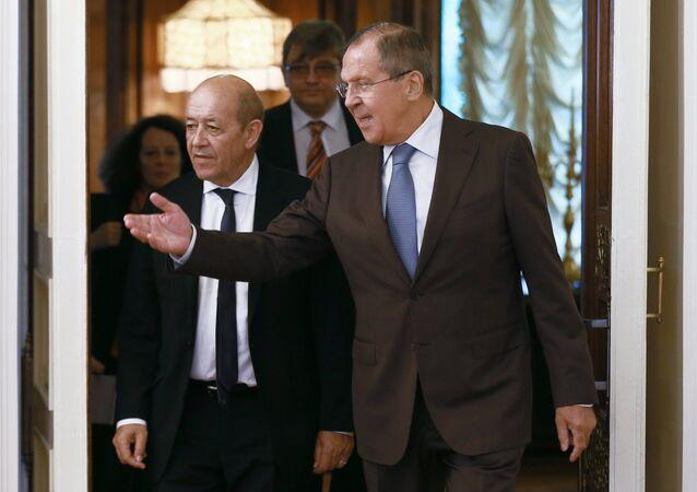 Jean-Yves Le Drian a Sergej Lavrov