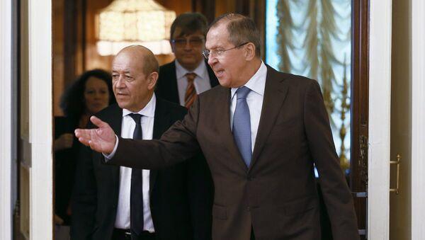 Jean-Yves Le Drian a Sergej Lavrov - Sputnik Česká republika