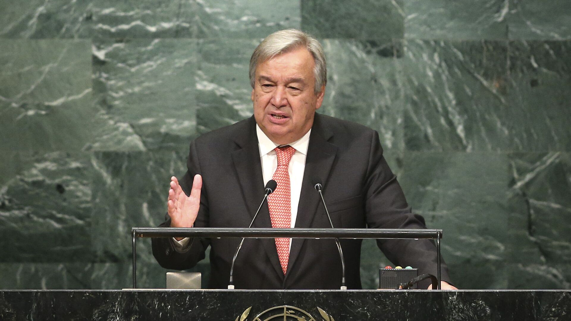 Generální tajemník OSN António Guterres - Sputnik Česká republika, 1920, 18.06.2021