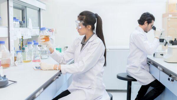 Vědci v laboratoři - Sputnik Česká republika