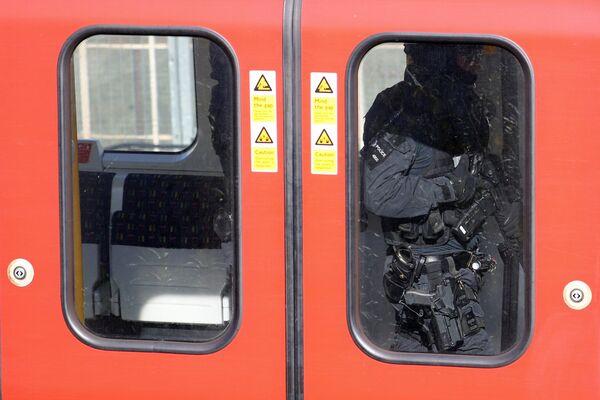 První záběry z místa výbuchu v londýnském metru - Sputnik Česká republika