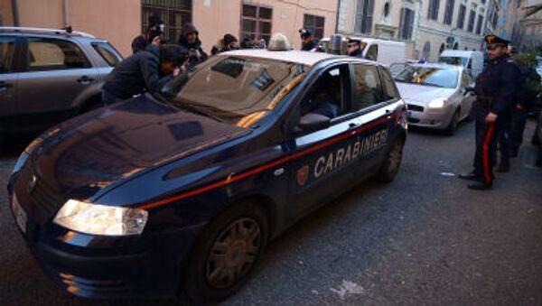 Italští policisté a karabiníci - Sputnik Česká republika