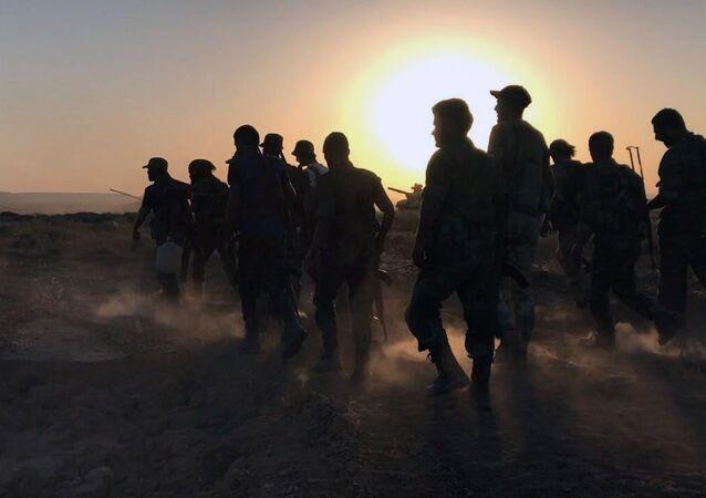 Syrští vojáci v Dajr az-Zauru