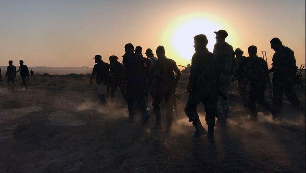 Syrští vojáci v Dajr az-Zauru - Sputnik Česká republika