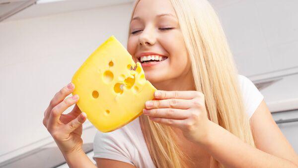Dívka se sýrem - Sputnik Česká republika