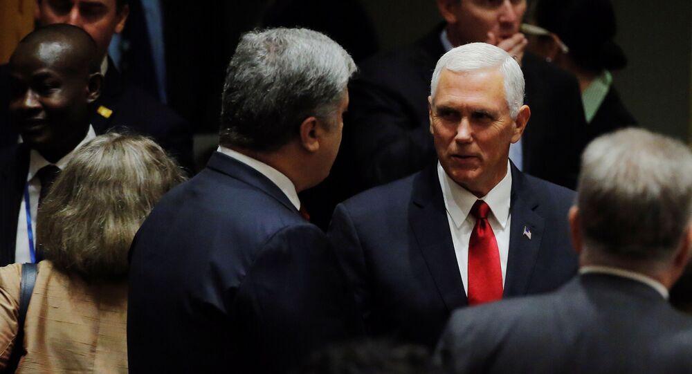 Americký viceprezident Mike Pence a ukrajinský prezident Petro Porošenko