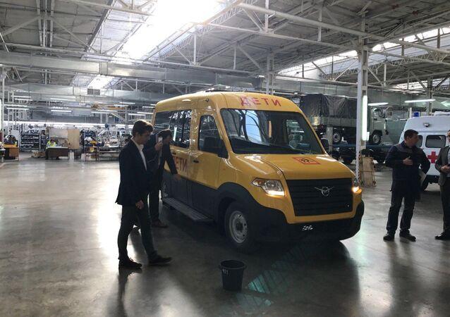Nový mikroautobus UAZ