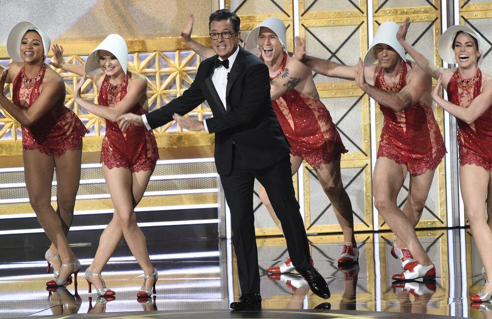 Moderátor ceny Emmy Stephen Colbert