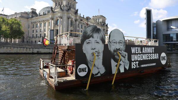 Plakát s  Angelou Merkelovou a Martinem Schulzem - Sputnik Česká republika