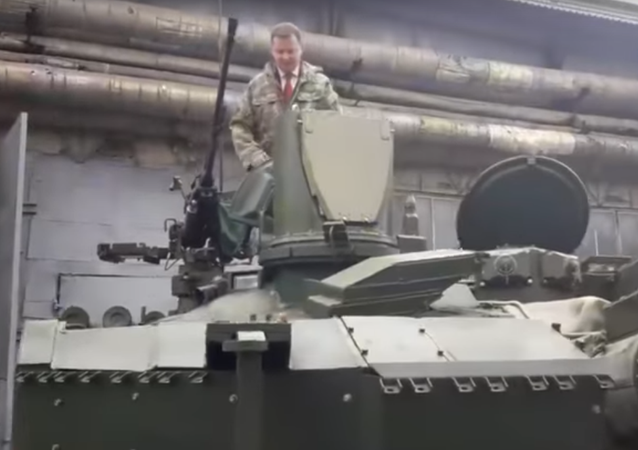 Ljaško slíbil, že v tanku dojede do Moskvy