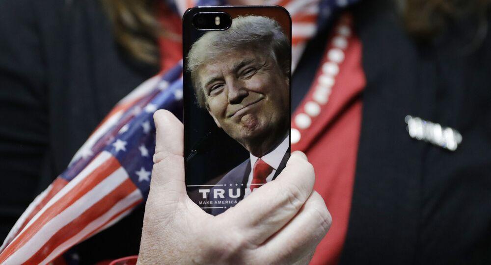 Telefon s vyobrazením Donalda Trumpa