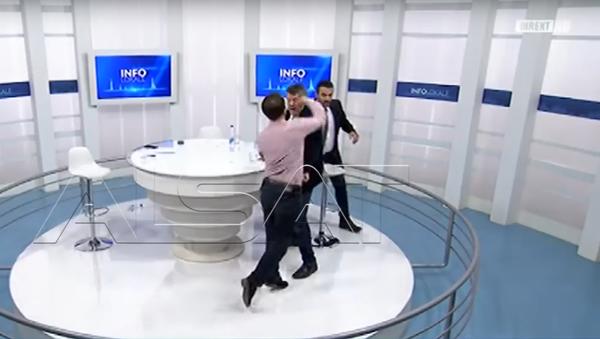 Kosovští poslanci se poprali v přímém přenosu - Sputnik Česká republika