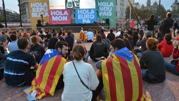 Účastníci referenda v Katalánii čekají na výsledky hlasování - Sputnik Česká republika