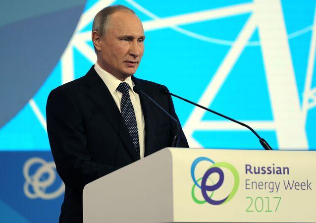 Ruský prezident Vladimir Putin na fóru Ruský energetický týden