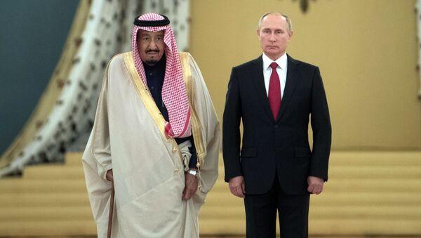 Ruský prezident Vladimir Putin a král Saudské Arábie Salmán bin Abd al-Azíz - Sputnik Česká republika