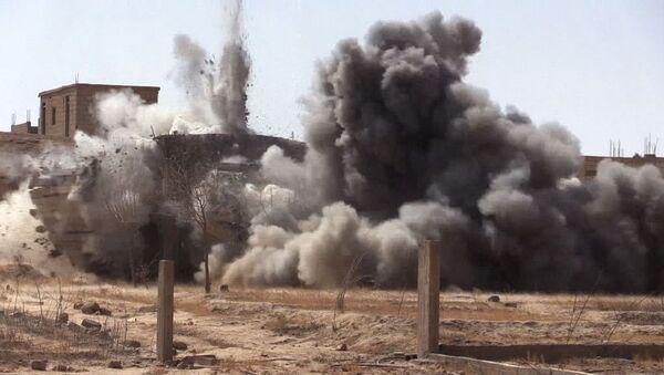 Odminování syrského města Dajr az-Zaur - Sputnik Česká republika
