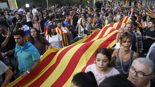 Účastníci stávky na podporu referenda o nezávislosti Katalánska v Barceloně - Sputnik Česká republika