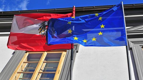 Vlajky Rakouska a EU - Sputnik Česká republika