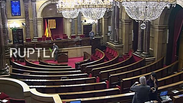 Puigdemont vystupuje před katalánským parlamentem - Sputnik Česká republika