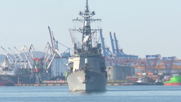 Lodě obranných sil Japonska slavnostně uvítali ve Vladivostoku - Sputnik Česká republika
