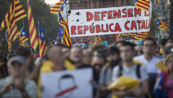 Obyvatelé Barcelony čekají na vyhlášení výsledků katalánského referenda o nezávislosti - Sputnik Česká republika