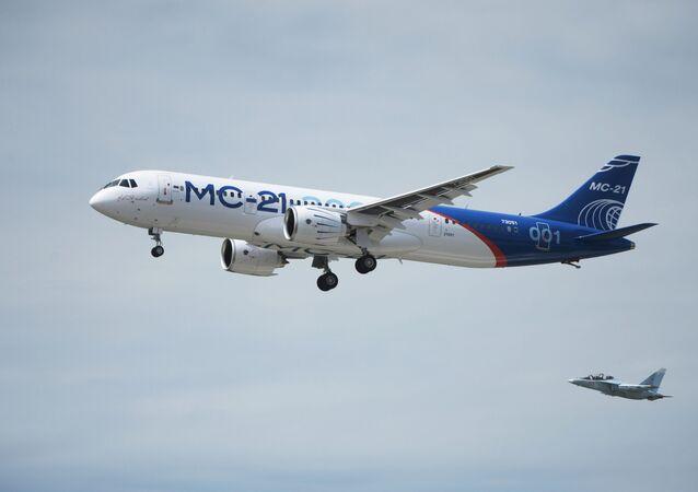 Nové ruské dopravní letadlo MS-21-300