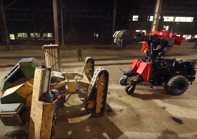 První v dějinách boj obřích robotů ukázali na videu
